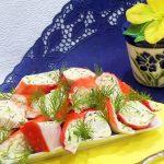 Фаршированные крабовые палочки плавленным сыром и яйцом - простой рецепт