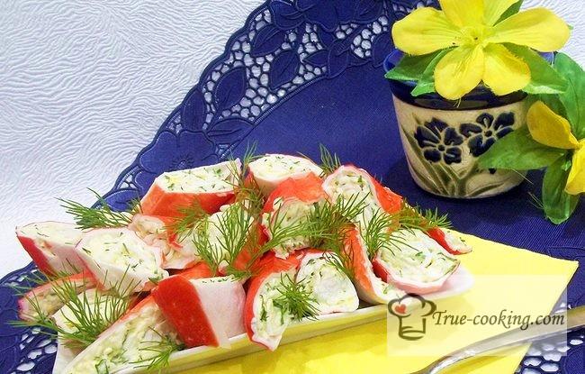 Фаршированные крабовые палочки плавленным сыром и яйцом