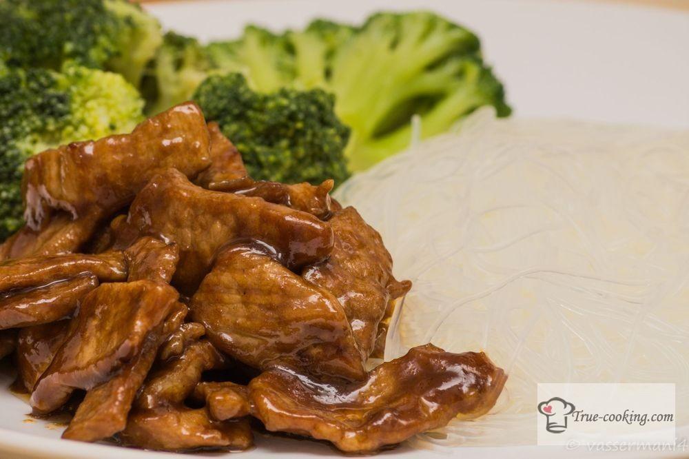 Говядина с брокколи в соевом соусе с имбирем и медом