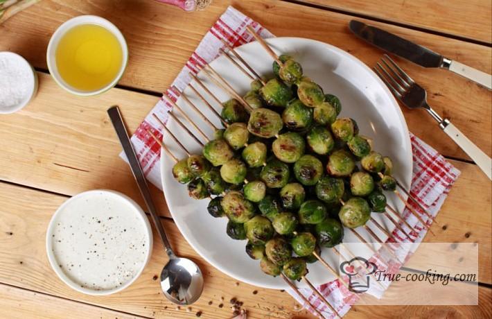 Рецепт брюссельской капусты в медово — горчичном соусе