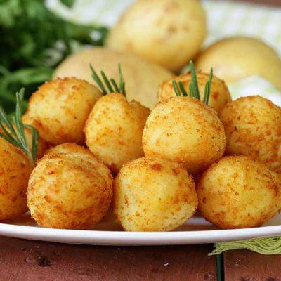Сырные шарики рецепт с картошкой и беконом